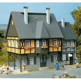 12343 Auhagen HO Kit of a house Station Street 1